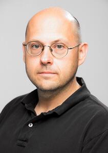 photo of Professor Éric Schost