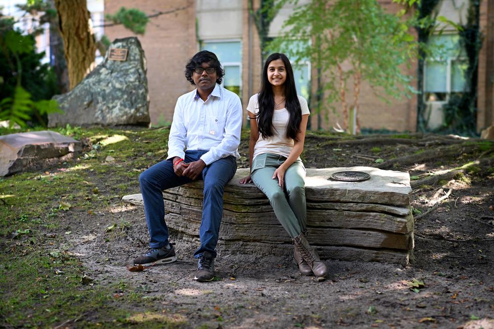 photo of Antony Albert Raj Irudayaraj and Nikhita Joshi with PocketView display devices