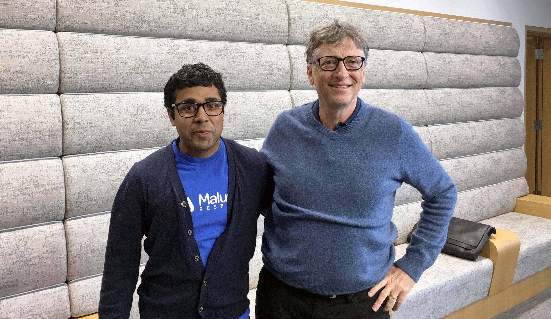 photo of Bill Gates and Sam Pasupalak