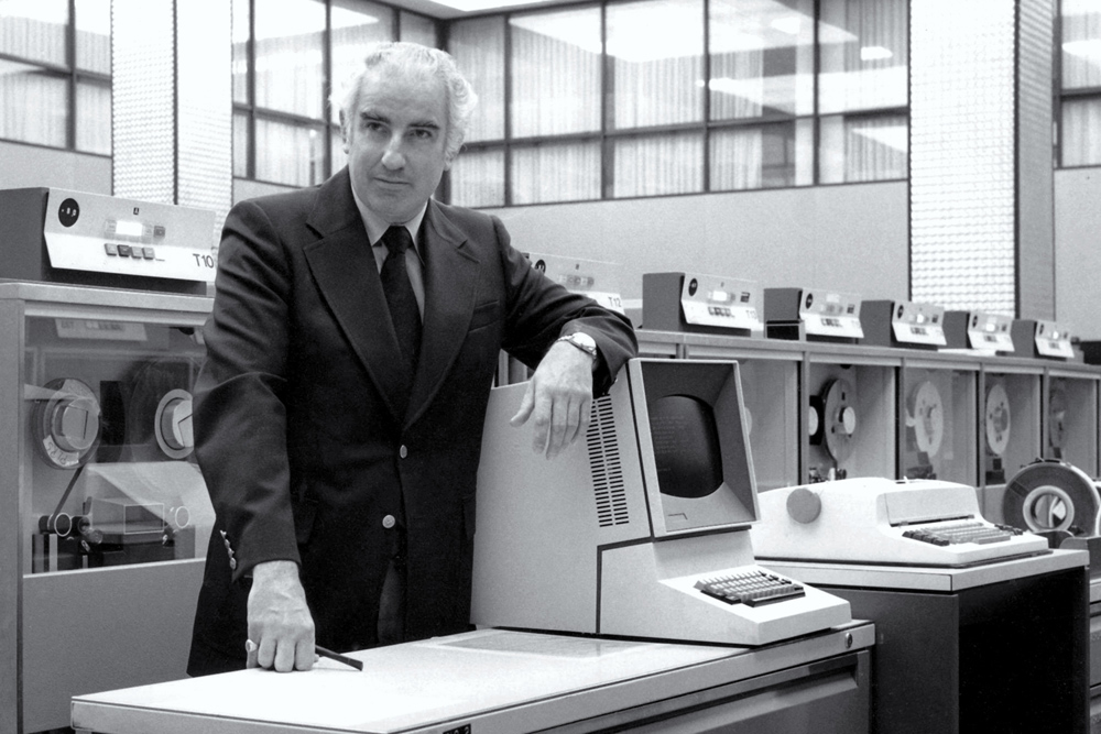 photo of Wes Graham by IBM computer